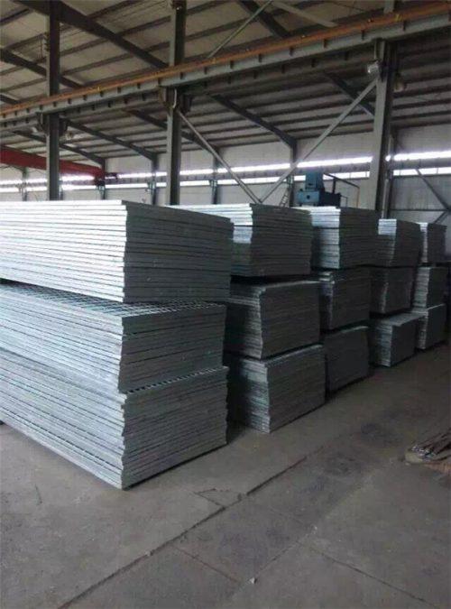 Steel grating storehouse