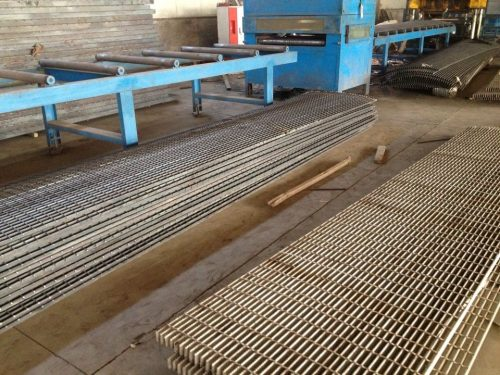 steel grating machine 02